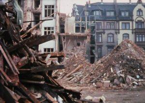 Sanierungsgebiet Bockenheim. Abbruchreife Häuser und Häuserabriss_IMG_1990_freigestellt_Ausschnitt_web